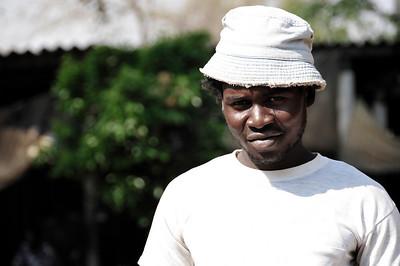 _D038725 Victoria Falls Open Market Merchant (Drum Maker)