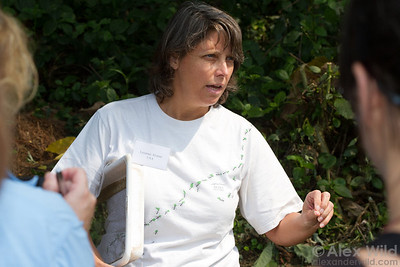 Conservation biologist Leanne Alonso teaching ant collection methods at Ant Course 2012 in Uganda.