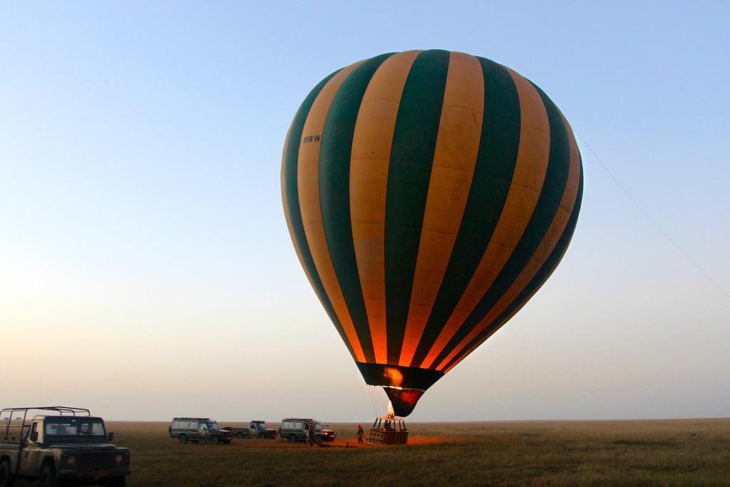 Ballooning over the Serengeti<br /> Tanzania, March 2012