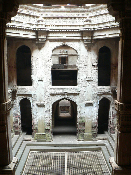 Adalaj Vas, (Step wells) Ahmedabad<br /> <br /> At the very bottom - where the pool rests