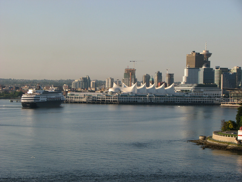 Statendam arriving Vancouver - May 31