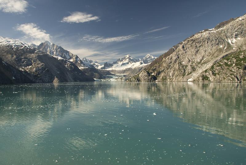 Notice the large glacier dead ahead.