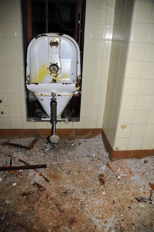 Buckner Building - Urinal - Abandoned - Whittier - Alaska - USA