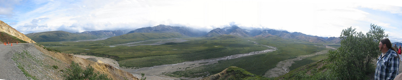Panoramic view of the valley below Polychrome Pass