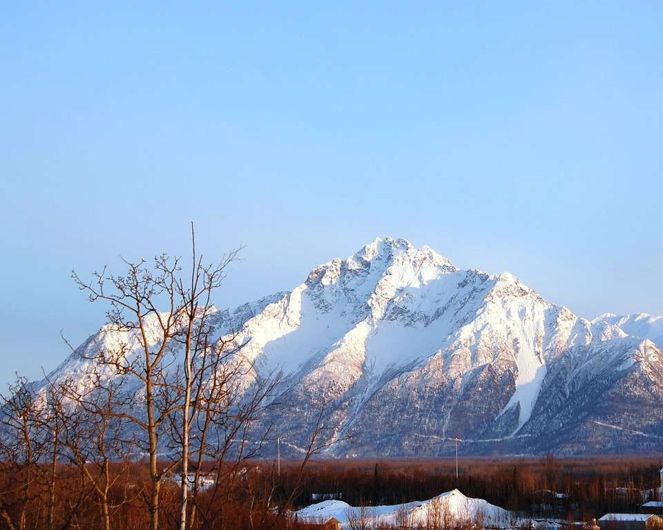 Pioneer Peak - Matanuska Valley - Glenn Highway - Alaska - USA
