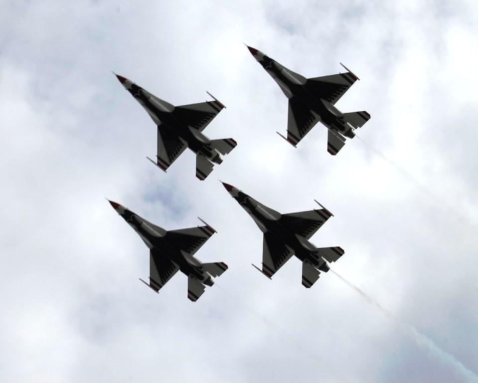 Airplane - Thunderbirds - Transportation - Air Show - Anchorage - Alaska - USA
