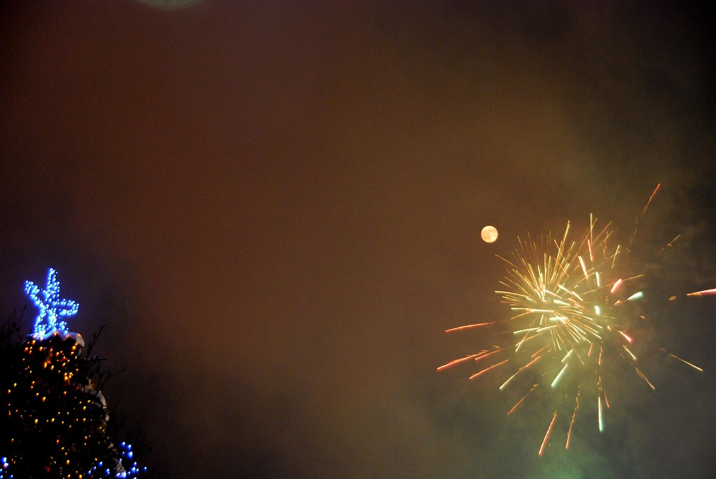 New Years Eve - Fireworks - Blue Moon - Townsquare - Anchorage - Alaska