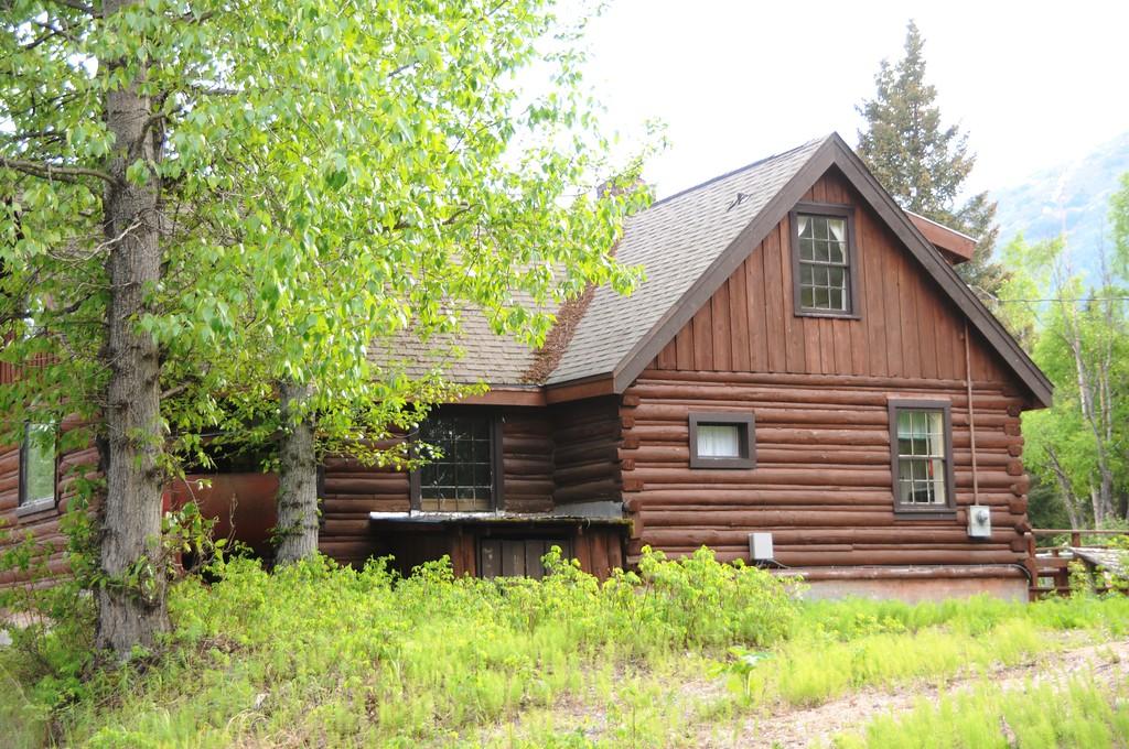 Hope - Downtown - Old Cabin - Hope - Alaska - USA