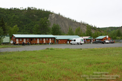 The lovely roadhouse we got to stay in the night before heading to Valdez.  I had to leave the door open for 20 minutes and let all the mosquitoes in just to air the place out. the stink was worse then being bitten all night.