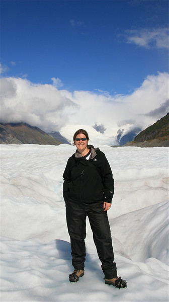Climbing Root Glacier met crampons, Wrangell - St. Elias National Park, Alaska.