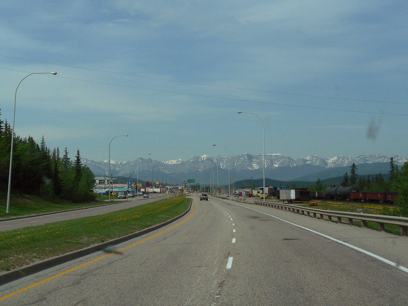Welcome to Hinton Alberta.  That's the Rockies in the background and your entrance to the Jasper area.<br /> <br /> 2007-06-01<br /> <br /> .