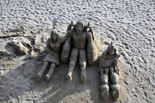 Sandskulpturar var da fleire av..
