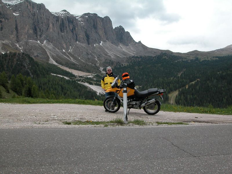 On the road to Passo Sella