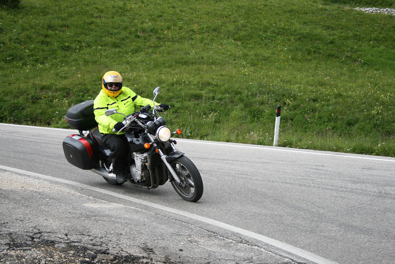 Requisite hero shots - courtesy of a couple of the Alpine Roads gang