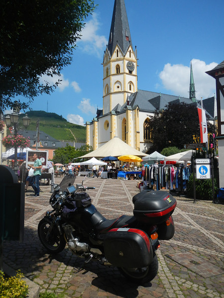 """Ahrweiler Markt Platz. Couldn't do a """"GT5"""" photo - no vehicles allowed :-(<br /> Too many people, anyway."""