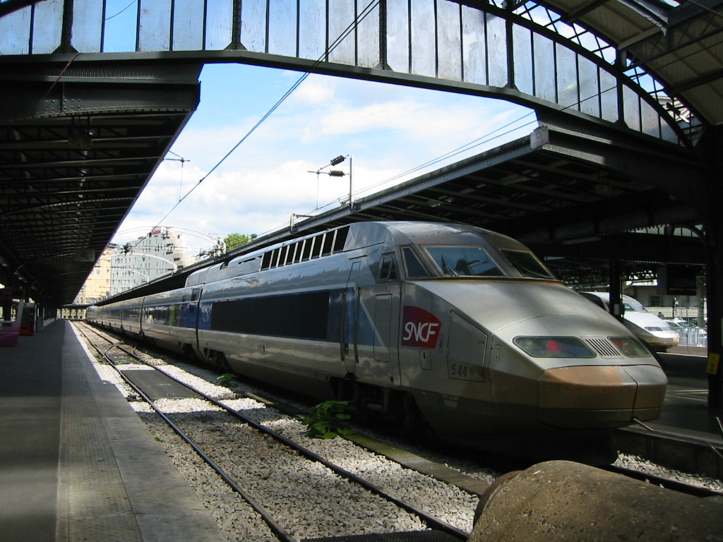 The brand new (as of spring 2007) TGV to the east of France. It goes well in excess of 200 mph. We were soon to be on it.