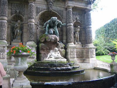 Close up of the Medici Fountain