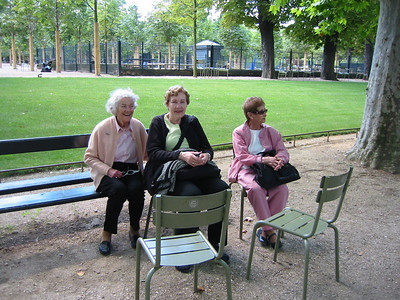 Enid, Pat and Phebe taking a short rest in the Gardens