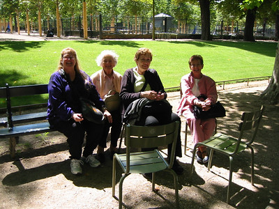 Should have had my flash on! Anne, Enid, Pat and Phebe enjoying their rest.