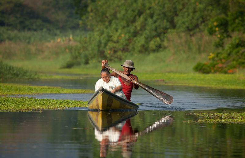 Canoe taxi on the Rio Estrella.