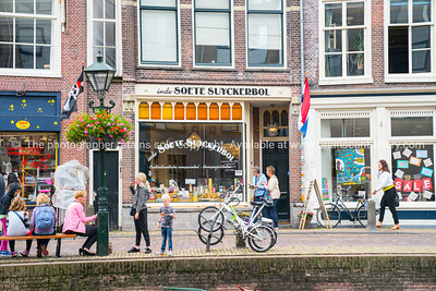 Alkmaar, Holland,- Street scene and shop fronts; Model or property release; NO, for personal or editorial use only please.