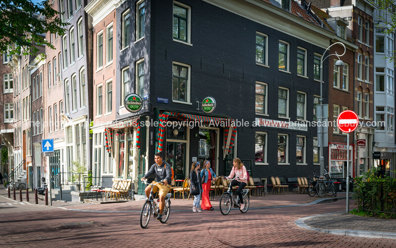 Amsterdam, Holland, street scene; Model or property release; NO, for personal or editorial use only please.
