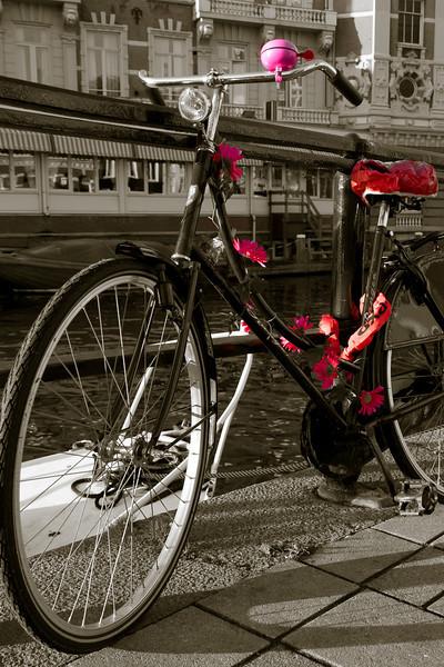 Eines von vielen geschmückten Fahrrädern