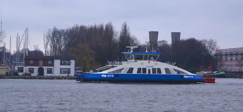 Liveer 52 heading in from Ijplein - the 2 columns in the background are ventilation shafts for the Ij tunnel