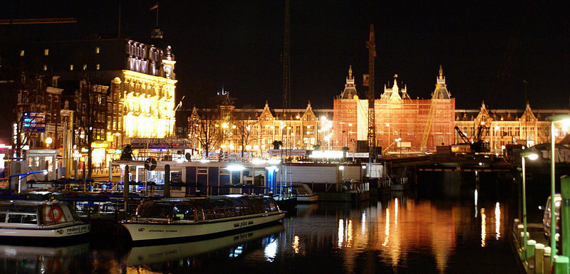 Amsterdam Centraal Station and Damrak
