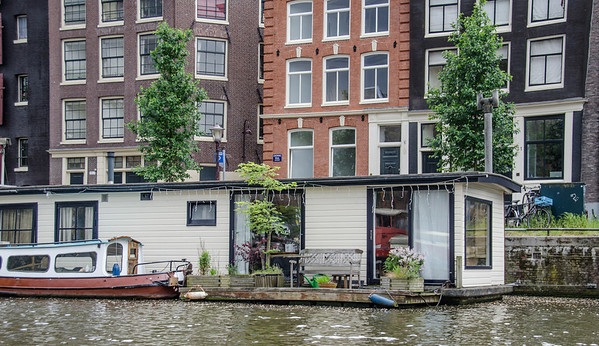 Amsterdam: Houseboat on a Gracht
