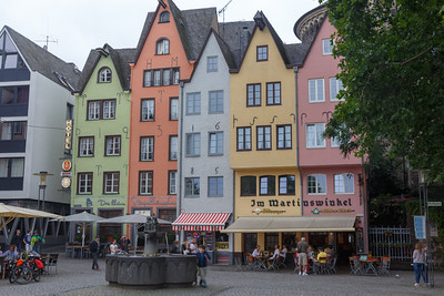 We had a nice lunch at the yellow and pink restaurant on the right.