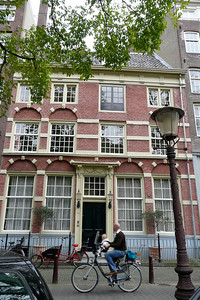 Double Fronted House at #265 Singel