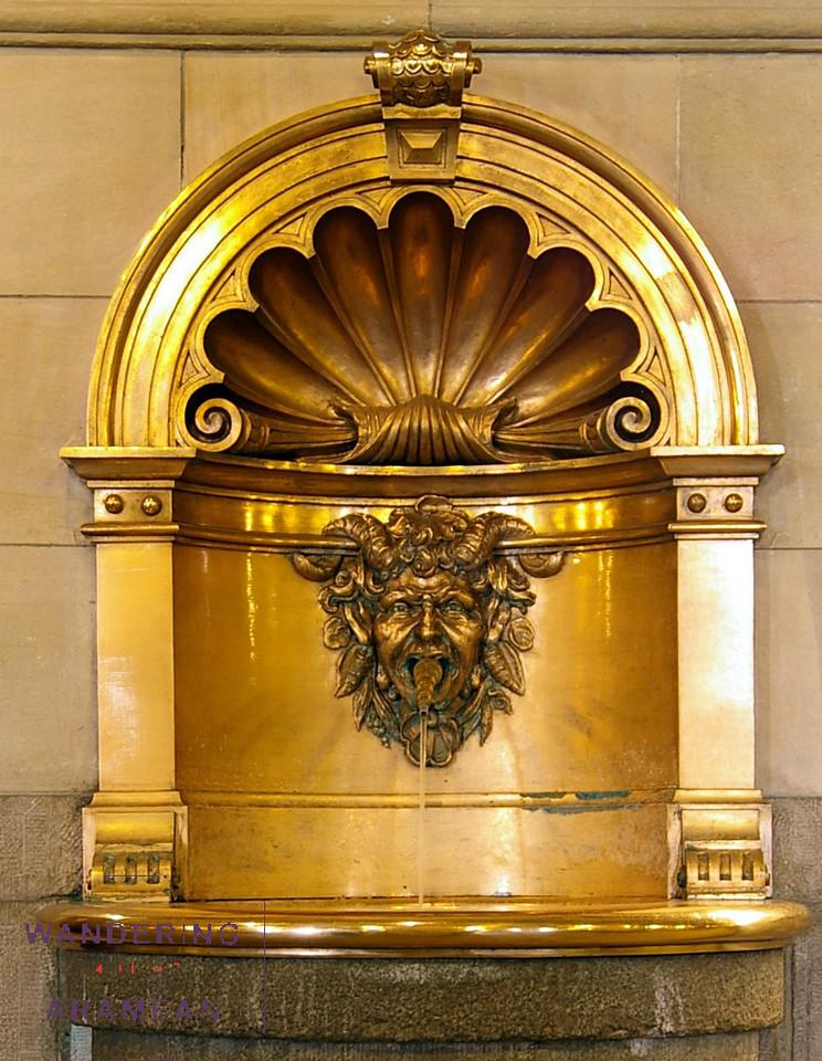 A fountain inside the Rathaus