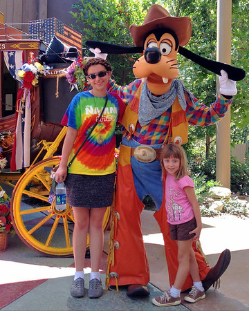 Desirae, Goofy and Lizzie