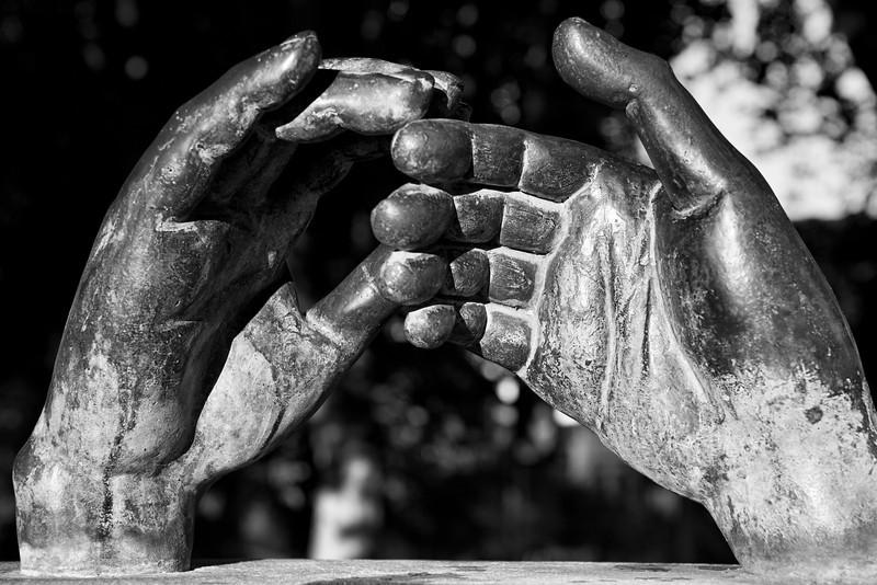 Sculpture of Hands - Cordoba