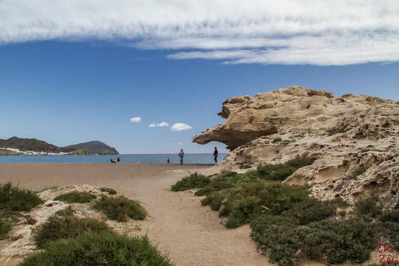 Playa del Arco, Los Escullos