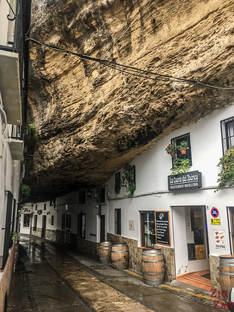 Calle Cuevas de la Sombra - Setenil de las Bodegas rock 1