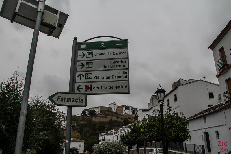Getting around Setenil de las Bodegas village