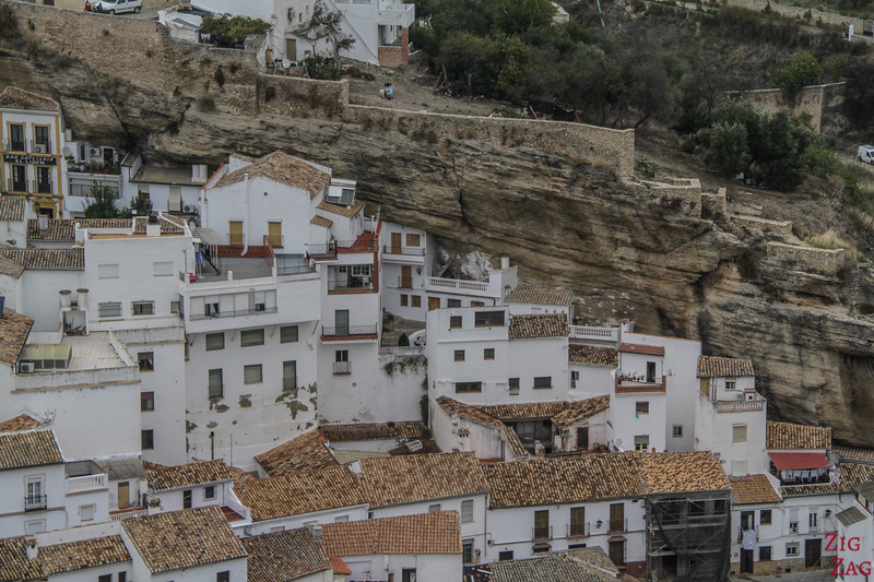 Setenil de las Bodegas - troglodyte houses