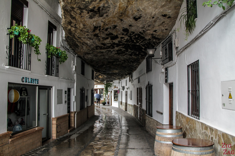 Calle Cuevas de la Sombra - Setenil de las Bodegas rock 2