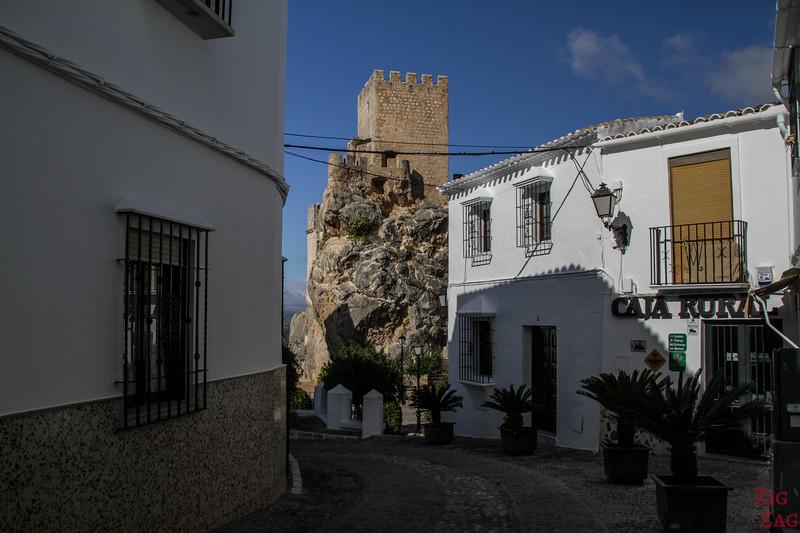 Zuheros white village photo 4