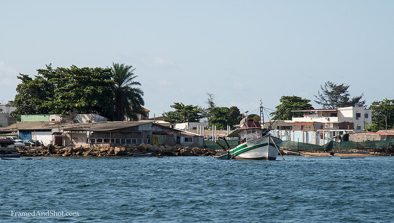 <strong><center> Ilha from the city side</center></strong> From the bay side the Ilha is filled with people, who lives, fish and make a living on a rather small area. In strong contrast to the apartments buildings and the restaurants that the Ilha is well know for.