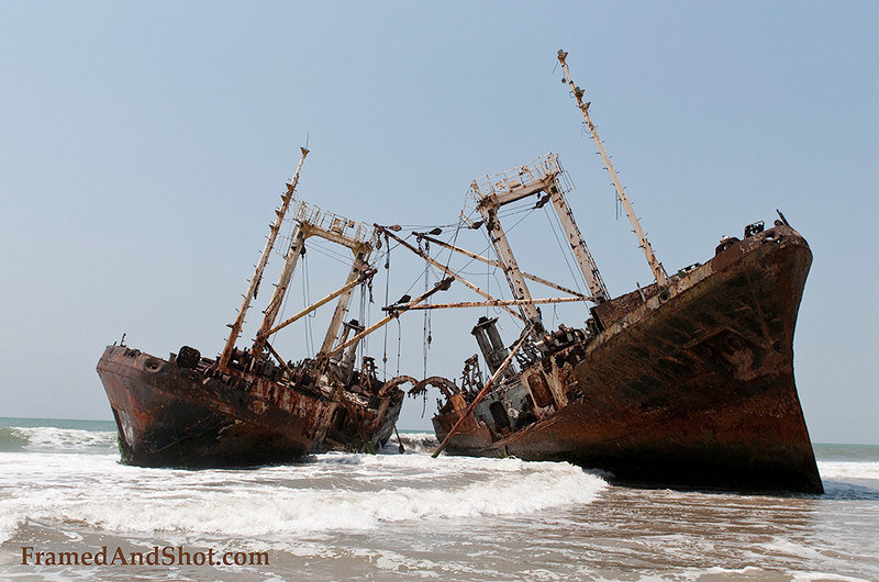 <strong><Center>Shipwreck beach or Praia Santiago is north of Luanda, it has become the graveyard for several tens of big ships, bulkers, trampers, steamers and fishing trawlers.