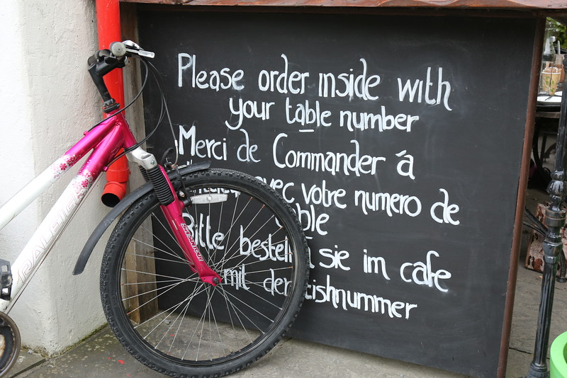 Ordering instructions in English, French and German