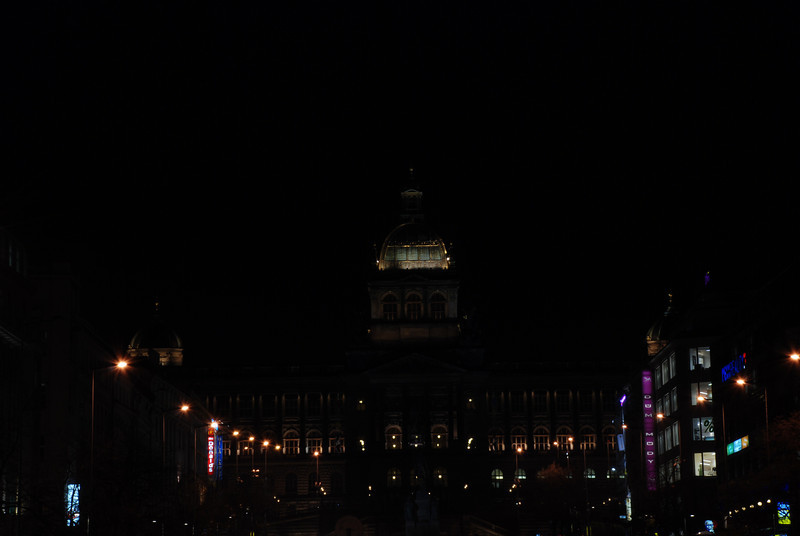Good King Winselas Square at Night 3