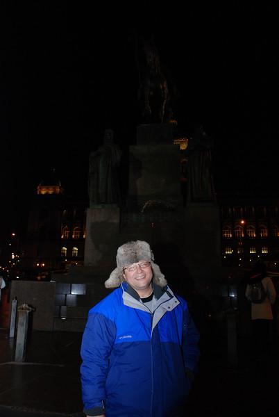 Tony and Winselas Statue 4