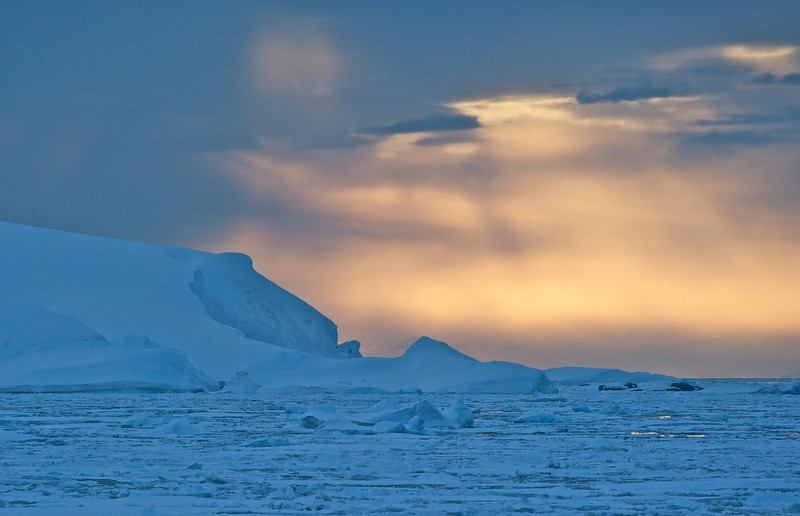 Pack Ice and Island, Lemaire Channel