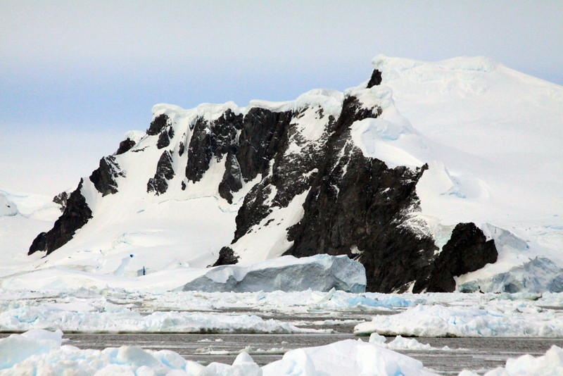 Mountains of Charcot - Antarctica