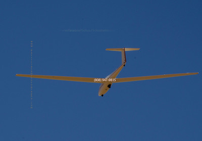 Glider in sky landing 5075