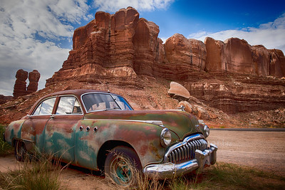 Car_rocks_Buick old rustic car4590hd